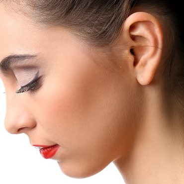 beautiful-girl-with-perfect-skin-red-lipstick.jpg
